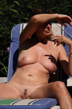 amateur photo Milf on a sunny day