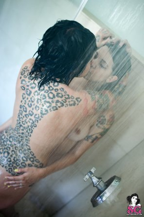 amateur photo Radeo and Rambo in the shower