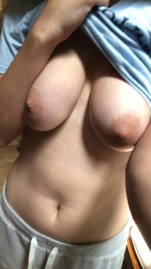amateur photo I want a guy who can play hard and make me wild! wendycox4