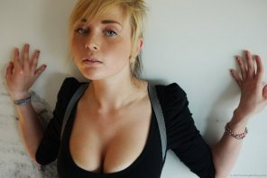amateur photo Blondie with freckles