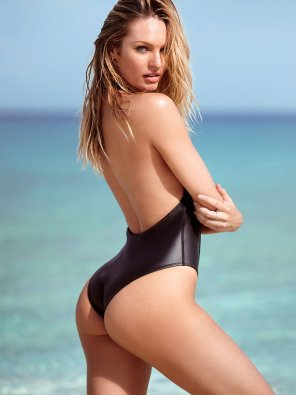 amateur photo Candice Swanepeol