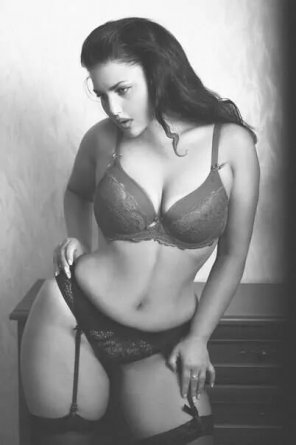 amateur photo Curvy perfection