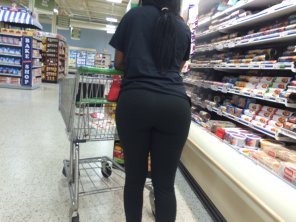 amateur photo thick yoga pant greatness