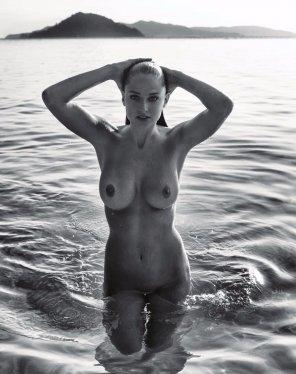 amateur photo Genevieve Morton