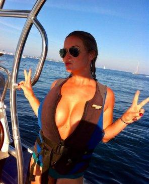 amateur photo Boating safety
