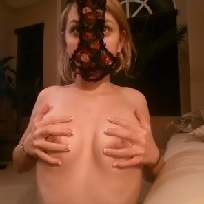 amateur photo No one cared who I was until I put on the mask [F25]