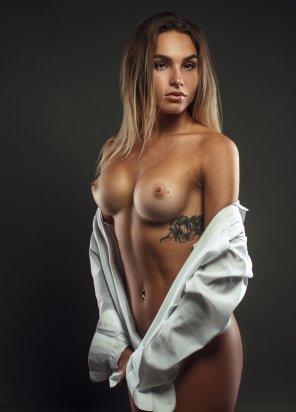 amateur photo White Shirt🌹