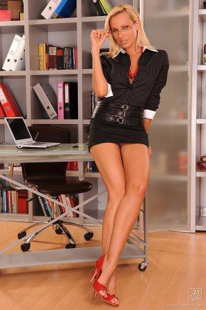 amateur photo Sandy. The best secretary.