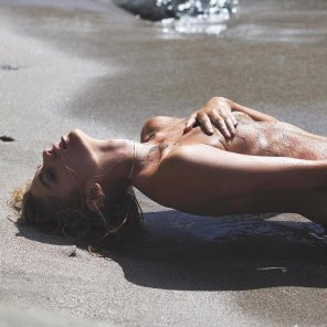 amateur photo Stella Maxwell