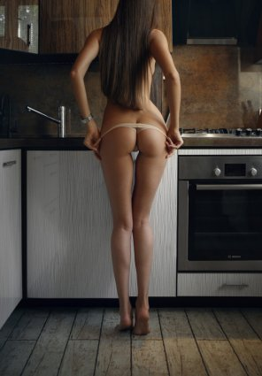 amateur photo Barefoot and in the kitchen