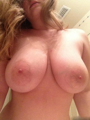 amateur photo Do you want my titties in your mouth ? SC - xoamelia18