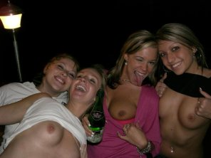 amateur photo drunk girls party