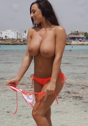 amateur photo Enjoying the beach