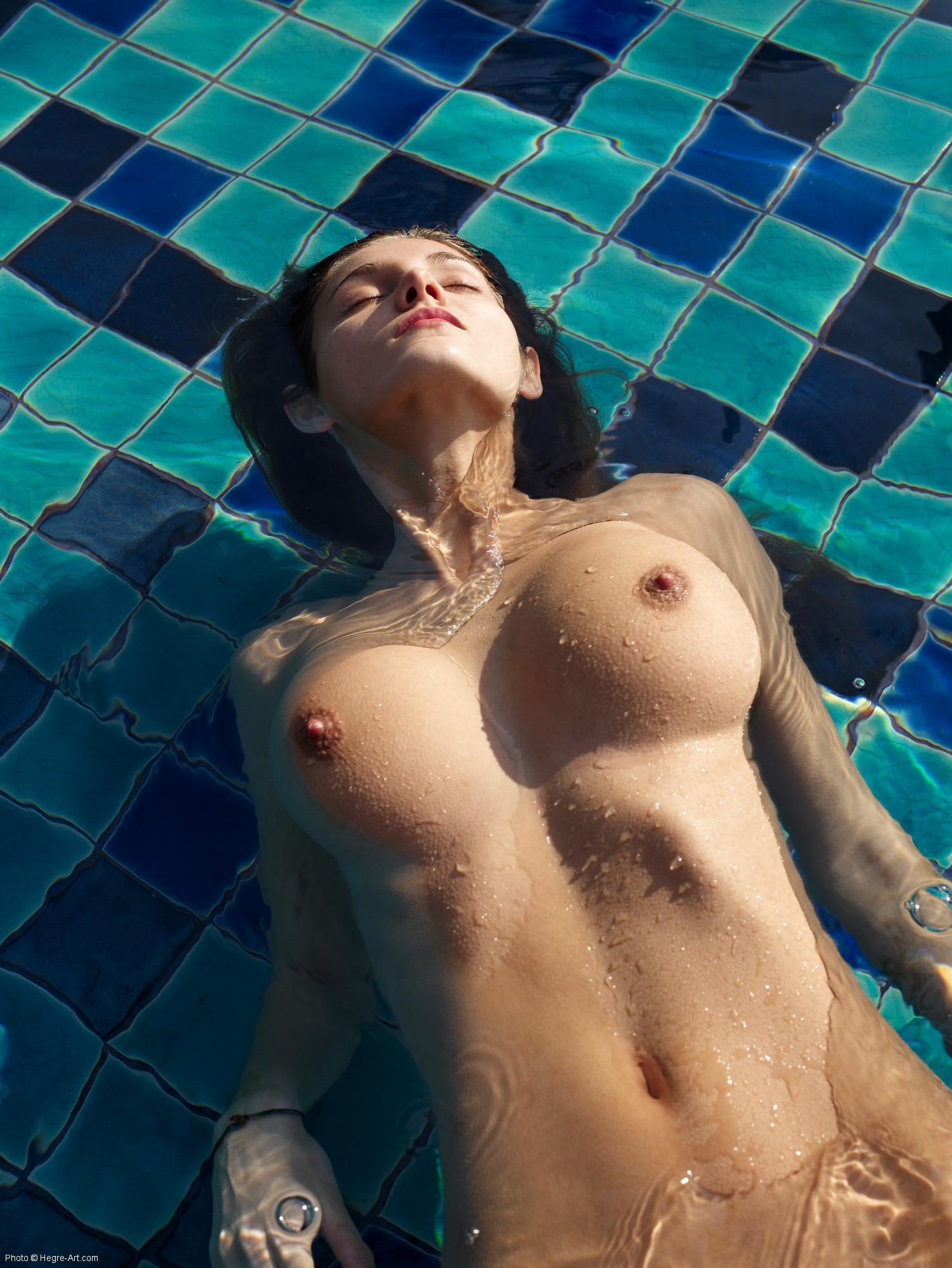 floating tits