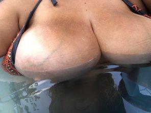 amateur photo Peek a boo pool! [image]