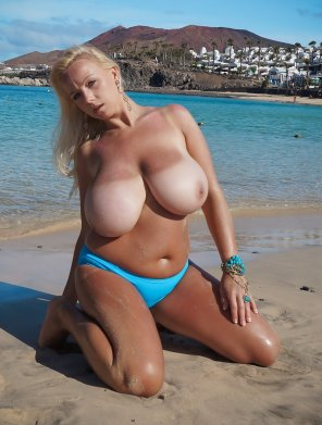 amateur photo She Must Not Get Those Out As Often As She Goes To The Beach....
