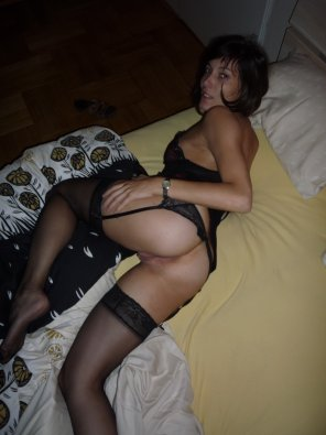 amateur photo She's waiting