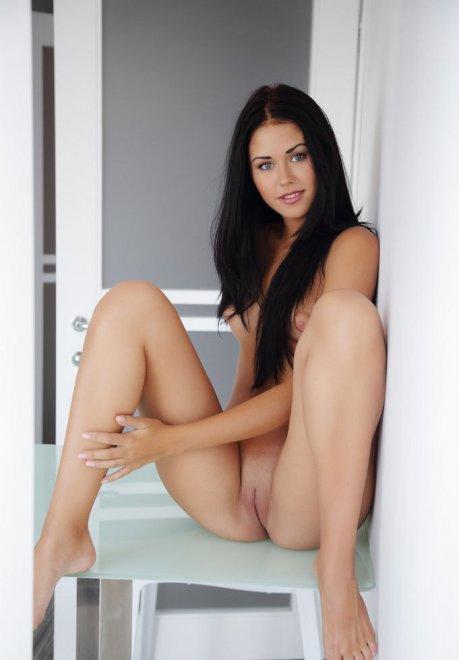 Lovely dark hair Porn Photo