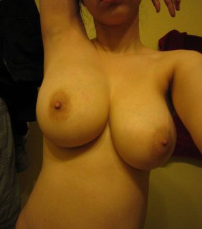 amateur photo Nicely shaped boobs