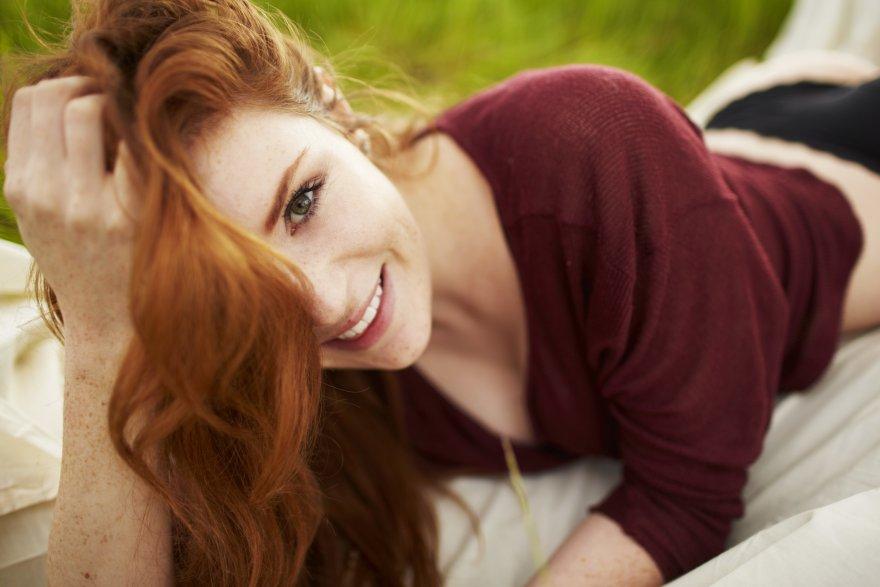 Stunning redhead Porn Photo