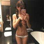 amateur photo Selfie in a hotel room