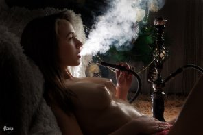 amateur photo Hottie with a hookah
