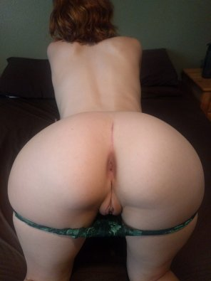 amateur photo [F]ace down, ass up. Who wants some of this fox? ;)