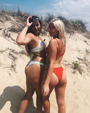 amateur photo Teens showing off their fat asses