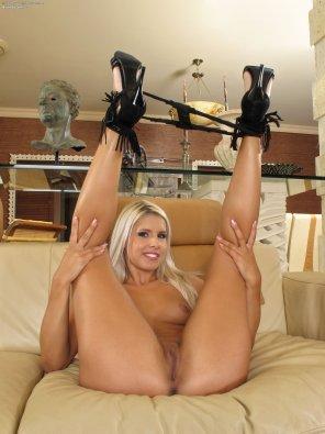 amateur photo Tasty blonde in heels