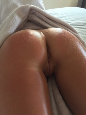 amateur photo need a massage