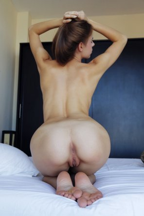 amateur photo Beefy & Beautiful
