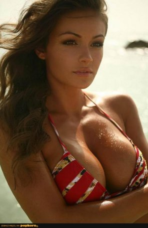 amateur photo Brunette Beauty