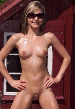 amateur photo Oiled up in the sun