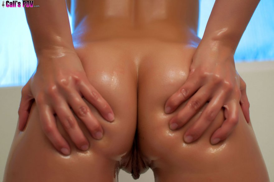 Oiled up and ready to go Porn Photo
