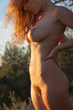 amateur photo Love the way the sun hits her body