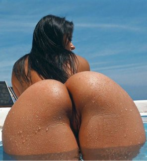 amateur photo wet ass