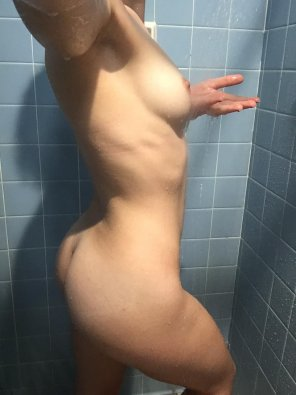 amateur photo Nothing like a shower [f]irst thing in the morning