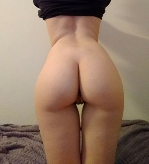 amateur photo Pale ass!