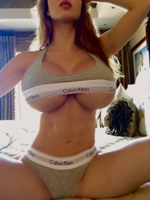 amateur photo Surgically enhanced underboob