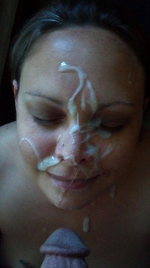 amateur photo Massive Facial For A Happy Wife