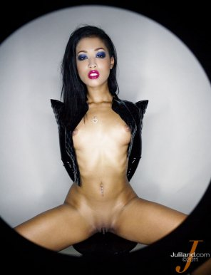 amateur photo Skin Diamond [gallery in comments]