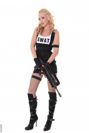 amateur photo S.W.A.T.