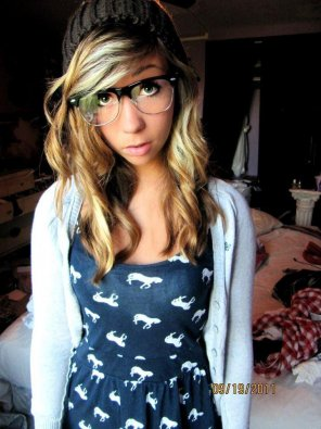 amateur photo Cutie with black frames