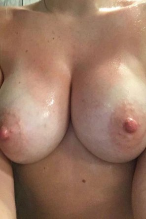 amateur photo IMAGE[Image] What do you think of my girlfriend's [24F] 32E tits?