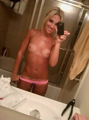 amateur photo Small boobs blonde!!!