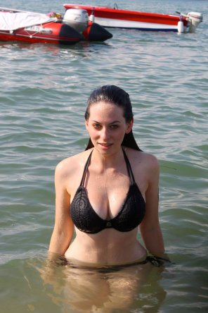 amateur photo Massive in bikini