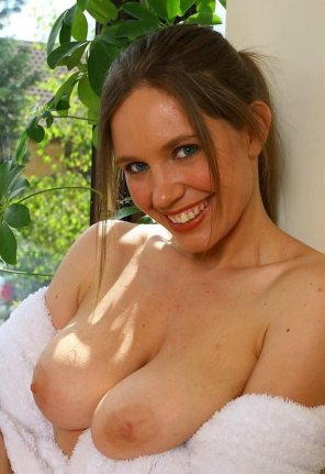 amateur photo Janey's lovely blue eyes and huge tits