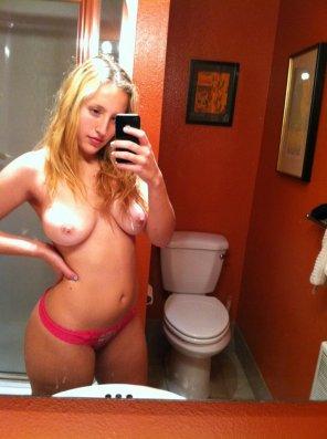 amateur photo Homespun topless bathroom selfie