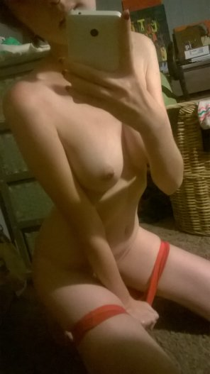amateur photo Teasing and petite