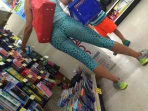 amateur photo random milf at store